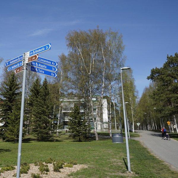 Radwegbeschilderung in Oulu, Finnland